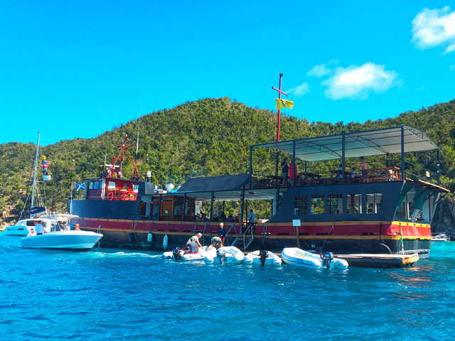 Private St John boat charters USVI BVI willy t