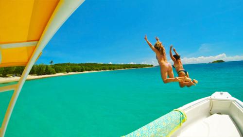 jumping offf the boat St-John-US-Virgin-Islands-Rocknrolla-St-John-USVI-BVI-boat-charters.